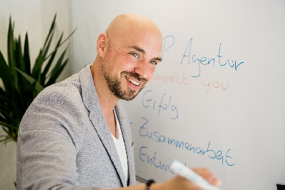 IMG_3996.jpg - Philipp Herrmann KOOP Agentur