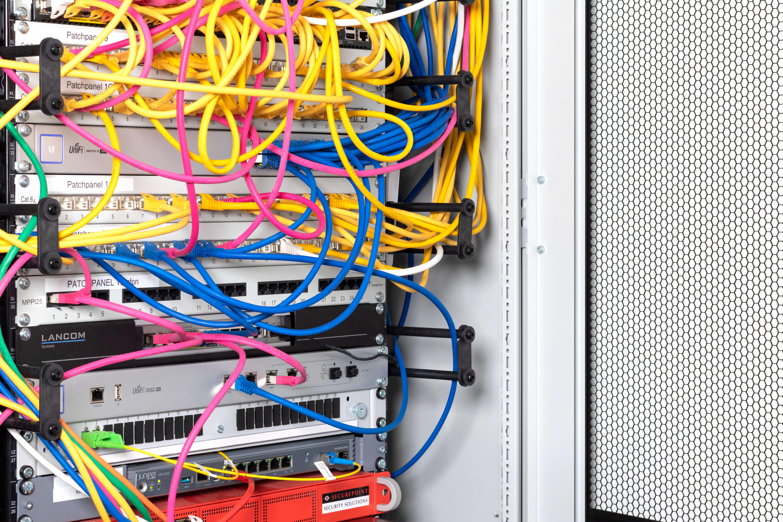kabel-server.jpg