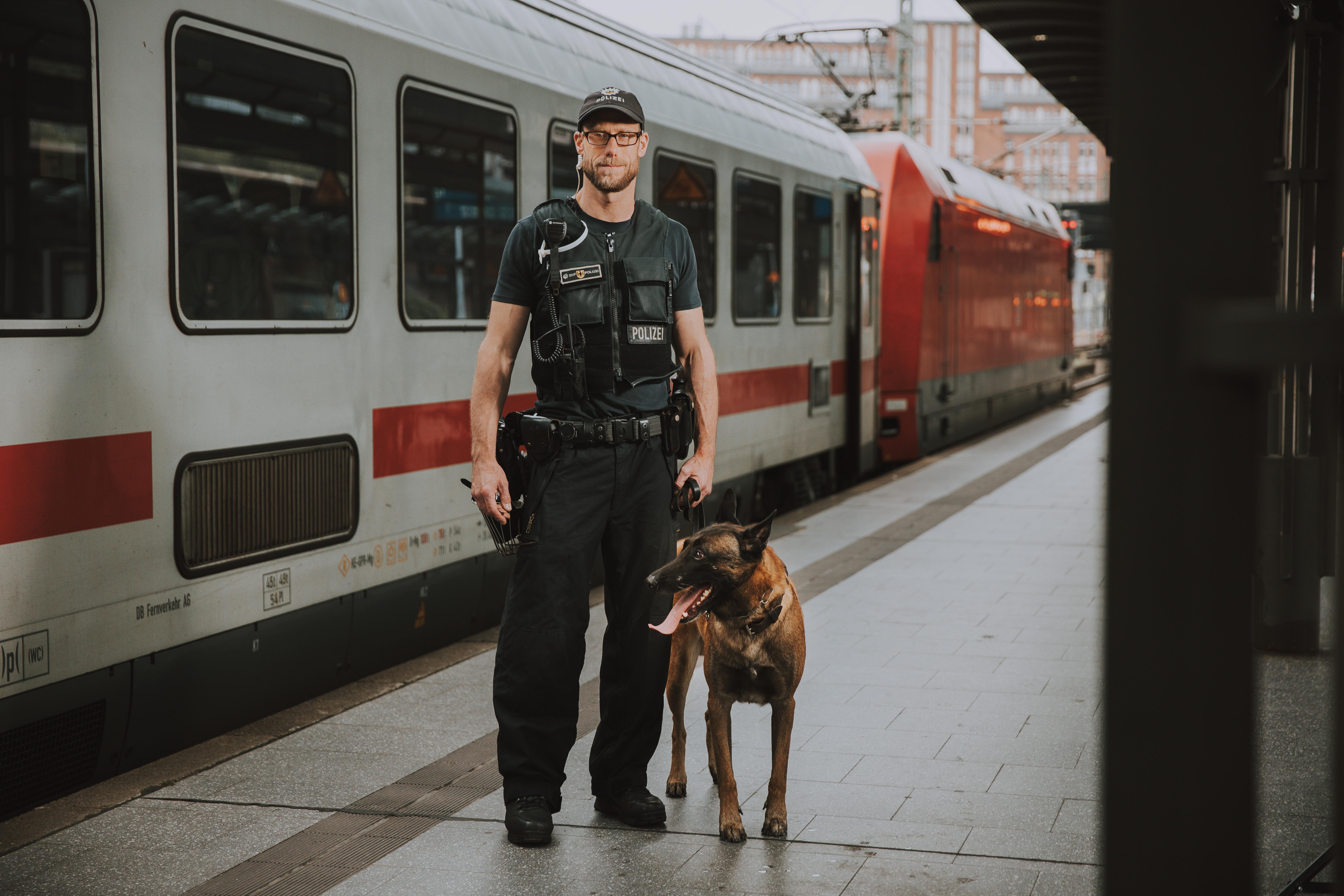 BPOL_Bahn_Hund_Vogt_Imagefilm47.jpg – Bundespolizei, Einstellungsberatung Bunde