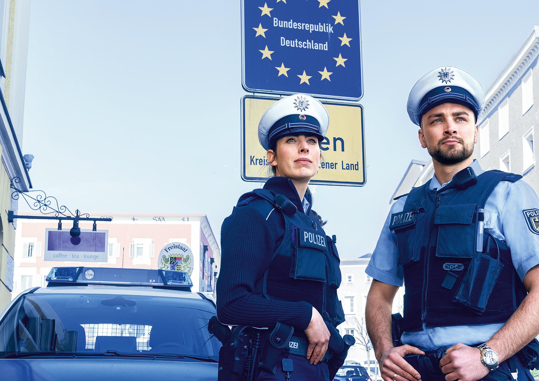 BPOL_Motive_solo_Grenze_Theresa_Patrick.jpg – Bundespolizei, Einstellungsberatung Bunde