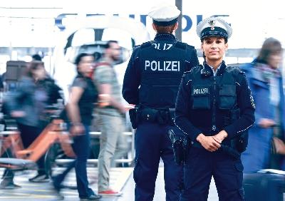 BPOL_Motive_solo_Bahn_Jamie.jpg - Bundespolizei, Einstellungsberatung Bunde
