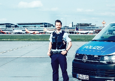 BPOL_Motive_solo_Luftsicherheit_Jan.jpg - Bundespolizei, Einstellungsberatung Bunde