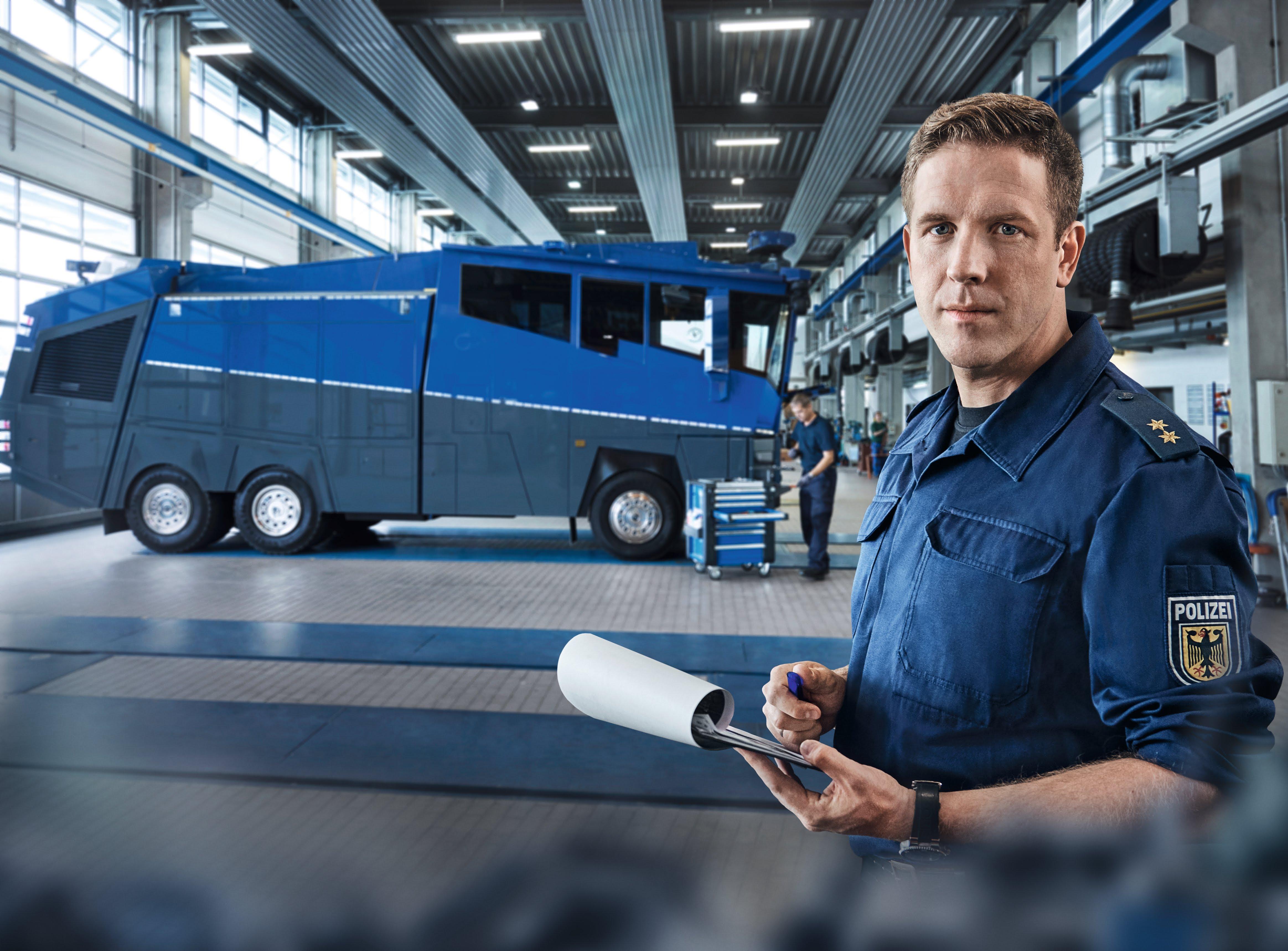 Bpol_Fachkräfte_Fuhrpark_BMI_39L_BPO_Fachkraft_Ingenieur.jpg – Bundespolizei, Einstellungsberatung Bunde