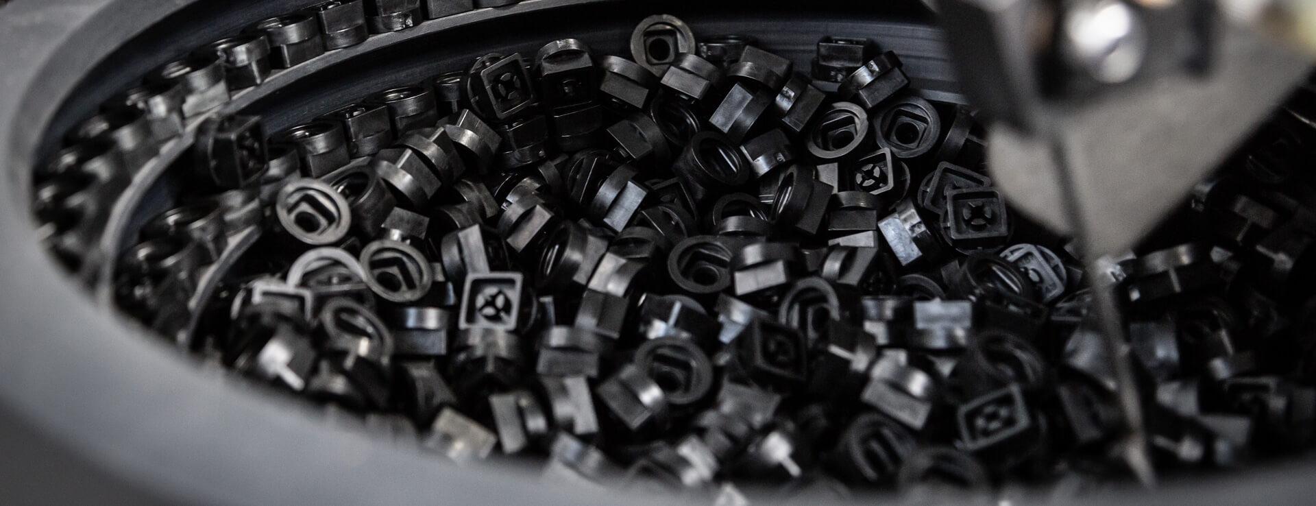 slider-3.jpg – LMB Kunstofftechnik GmbH
