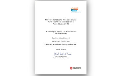Kultusministerium_Auszeichnung-bearbeitet (002).jpg - Spedition Jakob Weets e.K.