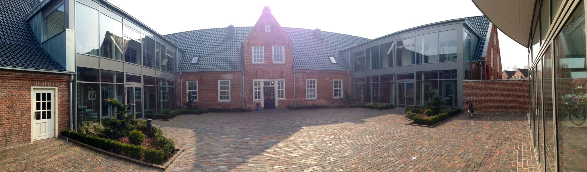 BCLInnenhof.jpeg – Hochschule Emden/Leer