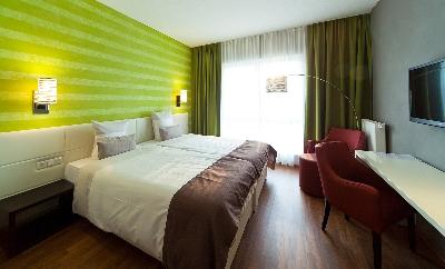 Hotelzimmer (2).jpg
